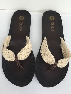 aa8d34881 NWOT Roxy Palau Cream Crochet Sandals Flip Flops Brown Size 9  Roxy   FlipFlops Crochet