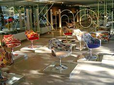 Show room Knoll Paris http://www.schiepan.com