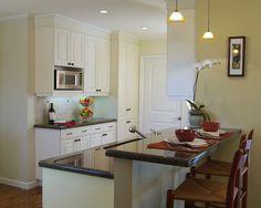 Small Condo Interior Design, Pictures, Remodel, Decor and Ideas - page 57 Kitchen Bar Counter, Black Kitchen Cabinets, New Kitchen, Kitchen Decor, Kitchen Pass, Kitchen Ideas, Kitchen Small, Kitchen Inspiration, Interior Inspiration