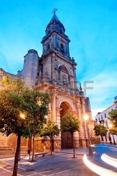 Vista del atardecer de la iglesia de San Miguel. Jerez de la Frontera, España…