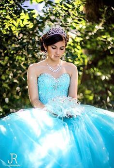 Photo by J.A Romo Photography | Quinceanera Photographer | Quinceanera Ideas |