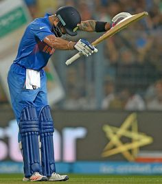Wondering Who Virat Kohli Was Bowing To After Scoring His Match-Winning 50 Vs Pakistan? India Cricket Team, World Cricket, Cricket Bat, Cricket Sport, Virat Kohli Wallpapers, Virat And Anushka, Dhoni Wallpapers, Cricket Wallpapers, Ab De Villiers