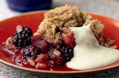 The Hairy Bikers' apple and blackberry crumble recipe is a classic at it's finest. Made with fresh blackberries and sweet apple chunks, this delicious crumble recipe is sure to become a family favourite. You can't beat this traditional British fruit pud! Blackberry And Apple Crumble, Fruit Crumble, Blackberry Recipes, Crumble Topping, Apple Recipes, Sweet Recipes, Apple Crumble Recipe, Apple Crisp, Sweet Pie