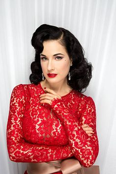Dita Von Teese Book Signing For Your Beauty Mark The Ultimate Guide To Eccentric Glamour Stock Pictures, Royalty-free Photos & Images Dita Von Teese Book, Dita Von Teese Burlesque, Dita Von Teese Style, Vogue, Fashion Mode, Fashion Beauty, Dita Von Tease, Idda Van Munster, Fierce