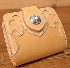 ハートの可愛い女性向け革財布