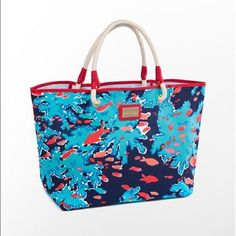 Lily Pulitzer Shore Tote Bag Very good condition! Great canvas bag with fun reef with fish print! A little bit dirty on bottom corner (see pic). Measure approximately 15L x 12.5H x 6W. No Trades  Lilly Pulitzer Bags Totes