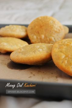 Once you get the hang of it, making moong dal khasta kachori is not complicated. Try this recipe with a moong dal filling inside a crisp kachori, and enjoy a warm kachori in many different ways. World Recipes, Veg Recipes, Indian Food Recipes, Vegetarian Recipes, Snack Recipes, Cooking Recipes, Savory Snacks, Appetizer Recipes, Gourmet