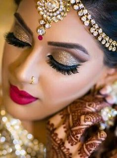 Beautiful Indian style wedding makeover - All For Bridal Hair Bridal Makeup Images, Asian Wedding Makeup, Pakistani Bridal Makeup, Bridal Eye Makeup, Bridal Makeup Looks, Wedding Makeup Artist, Indian Bridal, Bride Makeup Natural, Wedding Makeover