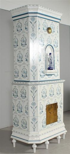 Lot: 3109719 Tiled oven cabinet from an 18th century model