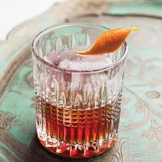 This warming tequila and whiskey cocktail makes a great digestif. To balance the spiciness, try using a sweeter bourbon, such as Maker's Mark. Whiskey Cocktails, Holiday Cocktails, Black Manhattan Recipe, Sweet Bourbon, Coffee Photography, Cocktail Making, Sous Vide, Bars For Home, Bartender