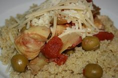 Mediterranean Chicken Crockpot -- artichoke hearts, green olives and tomatoes. #simple #crockpot #recipes
