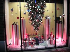 merchandising clothing display ideas | Learning from the professionals: Holiday Window Ideas for Consignment ...