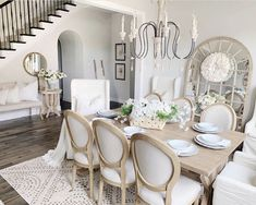Refined and fresh family house by Erin Vogelpohl Dining Room Table Decor, Dining Room Design, Dining Room Furniture, Dining Room Inspiration, Home Decor Inspiration, French Country Dining Room, Home And Deco, Cheap Home Decor, Home Interior Design
