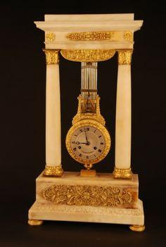 c.1830 French Marble and Ormolu Swinging Portico Clock, Béchot à Paris. , 1830 - Antiek | ArtListings