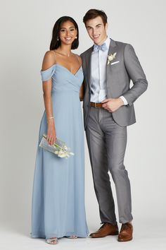 DUDE, YOU LOOK GOOD. Keep the guys looking fly (and the bridal party color-coordinated) with our Daniel Bow Tie in Dusty Blue, a solid adjustable bow tie with a modern matte finish. Not only does it add the perfect pop of color to groomsmen attire, its designed to match the Dusty Blue bridesmaid dresses in our collection. THE 411   Adjustable bow tie for neck sizes 13 3/4' to 18 1/2'   73% polyester 27% cotton with matte finish  2.5' tall x 39' long (flat) Dry clean only  Made in China Gray Groomsmen Suits, Groomsmen Outfits, Dusty Blue Bridesmaid Dresses, Dusty Blue Weddings, Grey Tuxedo Wedding, Grey Wedding Suits, Gray Tuxedo, Light Grey Suits, Grey Suit Blue Tie