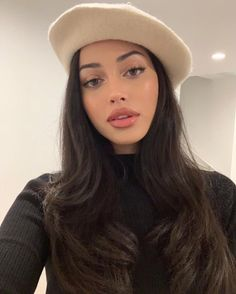 Cindy Kimberly uploaded by 💕 on We Heart It Natural Makeup Looks, Natural Beauty Tips, Classic Makeup Looks, Beauty Makeup, Hair Makeup, Hair Beauty, Makeup Eyes, Cindy Kimberly, Grunge Hair