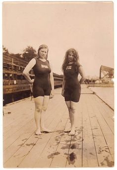 Australia's first women Olympians, Fanny Durack and Mina Wylie won gold and silver in the 100 metres freestyle at the 1912 Stockholm Olympics. Great Women, Amazing Women, Stockholm, Female Swimmers, Middle Aged Women, Historical Women, We Are The World, Summer Olympics, Interesting History