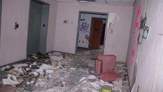 Un fotógrafo exploró un hospital abandonado a las 3 AM. De pronto escuchó llantos en el tercer piso