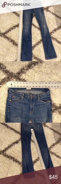 🇬🇧 HUDSON Jeans Medium Wash Size 24 In good condition.  No stains or tears.  Tiny hole on left side near belt loop (barely noticeable) from plastic tag. Hudson Jeans Jeans Flare & Wide Leg