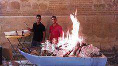 Este viernes 8 de Julio la Cofradia de la Virgen de la Aurora ponía en marcha la 1º Espetada con las mejores sardinas de Málaga, un cocinero especializado de las costas malagueñas para la ocasión junto con una barca típica de asar espetos.  El evento se celebraba en las...