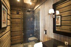 Halle, Mountain Cottage, Cabin Interiors, Rustic Elegance, House In The Woods, Log Homes, Glass Door, Interior Design, Bathroom