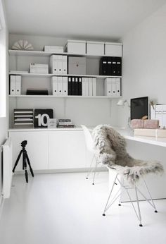 37 Stylish, Super Minimalist Home Office Designs | DigsDigs