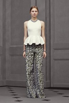 Balenciaga - Resort 2016 - Look 20 of 29?url=http://www.style.com/slideshows/fashion-shows/resort-2016/balenciaga/collection/20