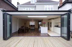 Lovely bifold doors - definitely what will be going into the rear extension! Glass Extension, Roof Extension, Extension Ideas, Extension Google, File Extension, Extension Designs, Conservatory Kitchen, Single Storey Extension, Kitchen Diner Extension