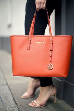★ MICHAEL ★ Michael Kors Jet Set Tote ★ Multifunction Saffiano Travel Red 70$$$$ love it!!!