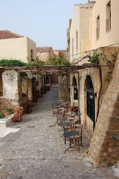 """Traditional """"kafeneio"""" in Monemvasia Greece Art & Architecture Heraklion, Oh The Places You'll Go, Places To Travel, Places To Visit, Greek Cafe, Monemvasia Greece, Myconos, Places In Greece, Kirchen"""
