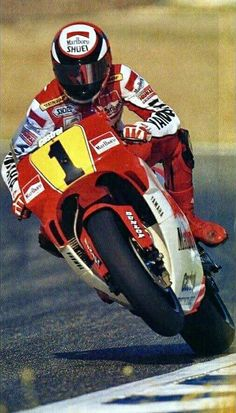 Motorcycle Racers, Motorcycle Men, Suzuki Motorcycle, Yamaha Motorcycles, Moto Bike, Bmx, Motocross, Valentino Rossi, Moto Martin