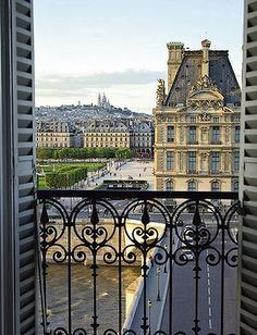 Living opposite The Louvre, Paris.- I lived a block away from the Louvre then. Paris France, Oh Paris, France 3, Paris City, Parisian Apartment, Paris Apartments, Apartment View, Dream Apartment, Apartment Design