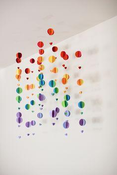 DIY Hot Air Balloon Garland | Hellobee