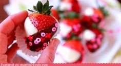 Valentine's chocolate covered strawberries