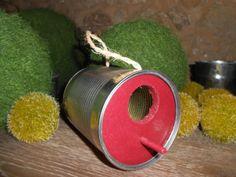 Nichoir à oiseau fabriqué à partir dune boite de conserve (rouge)  : Animaux par birdy-shop sur ALittleMarket