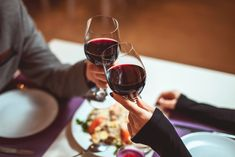 You hear tons of advice about dating. Don't do this, make sure to do that ... there's a lot to remember! One important controversial topic is drinking alcohol on a first date. If you do not drink alcohol, the simple answer is to not drink on a date j...