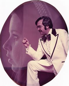 The Quintessential 1970s Wedding Photo