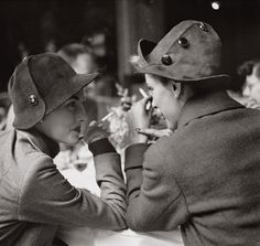 Cafe Flore, Paris 1948. Photo: Richard Avedon.