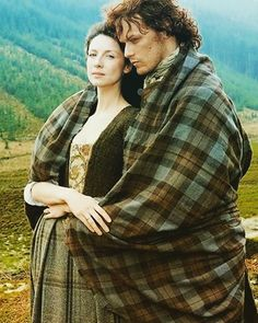Depending on the moment, our Outlander hero Jamie Fraser has been called many things — outlaw by those on both sides of the Jacobite cause, laird by the tenants he so lovingly serves, and, by Claire, the love of my life. Here in the 21st Century, many of us — including the writers of the Outlander TV show — simply call him King of Men. 👑  But what is it, exactly, that makes him so special? Why do both readers and TV-show fans (me!) adore Jamie with such ardor and passion ❓ Maybe it's the…