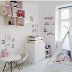 Gorgeous girls bedroom, interiors, pink, scandi