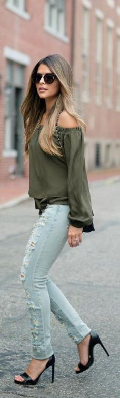 Ripped jeans and a khaki off the shoulder top. Pam Hetlinger shows us what this summer is all about.