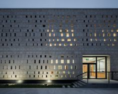CHEGS Campus Canteen / KNOWSPACE