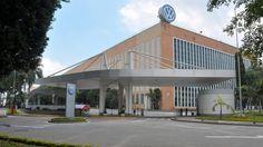 CAnadauenCE tv: Chevrolet e VW paralisam fábricas com anuncio de f...