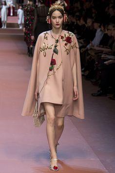 The familial Dolce & Gabbana Fall 2015 Runway