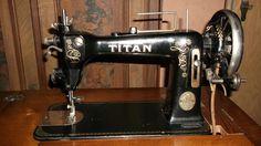 Nähmaschine TITAN Winselmann Altenburg Fussnähmaschine alt  (Titan sewing machine)