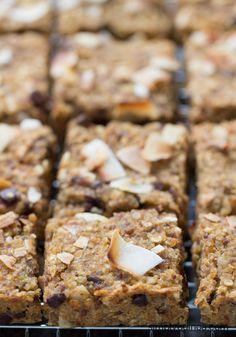 Little snack quinoa oatmeal, quinoa muffins, breakfast bars healthy, oatmea Quinoa Bars, Breakfast Bars Healthy, Breakfast Cookies, Breakfast Recipes, Breakfast Ideas, Quinoa Oatmeal, Breakfast Energy, Quinoa Muffins, Dinner Recipes