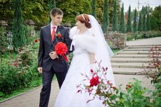 Are you planning on getting married this Christmas? Then check out some ideas about how you can blend your wedding plans with Christmas this summer.