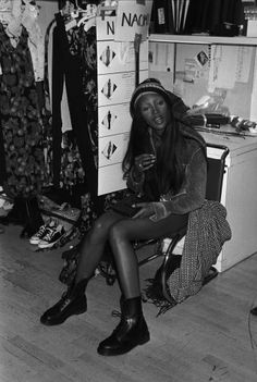 Supermodel #TBTs: Gisele, Kate, and More Backstage Moments From the Greats – Vogue - Naomi Campbell, seated backstage at the Perry Ellis spring 1993 show