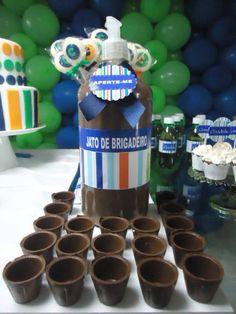 Jato de brigadeiro p/ mesa de doces, copos podem ser comestíveis ou ñ.