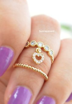 Dainty little knuckle rings, so girly